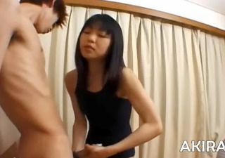 unbelievable tugjob from 52yo oriental